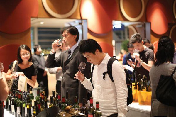 HKIWSC 2012 Oct 4 Wine Tasting (2)