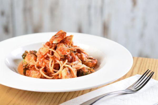 The Awakening - Power Pasta (quinoa, chicken and pomodoro sauce) (2)