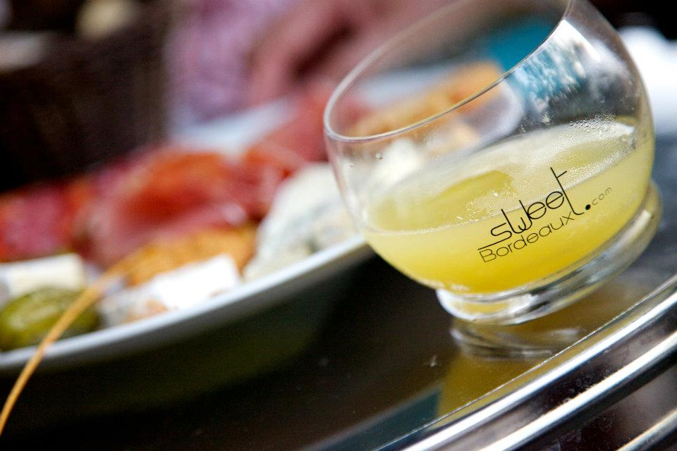海造地設一對 法國「甜蜜波爾多」黃金甜酒與生蠔奢華玩味配搭 Sweet Bordeaux's Golden Wines to Pair with Oyster this Autumn